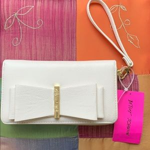 NWT Betsey Johnson Zip Around Wallet